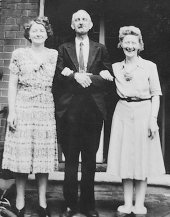 Photo of my Dad with his sisters. Jeanne had come over from Columbus, Ohio, where she lived